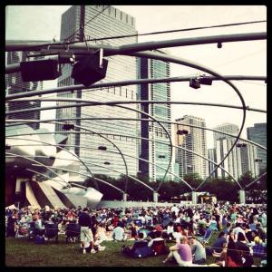 Concert extérieur de musique classique au Grant Park à Chicago