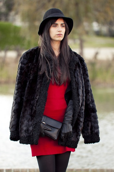http://lookbook.nu/look/2811733-vintage-fur-coat