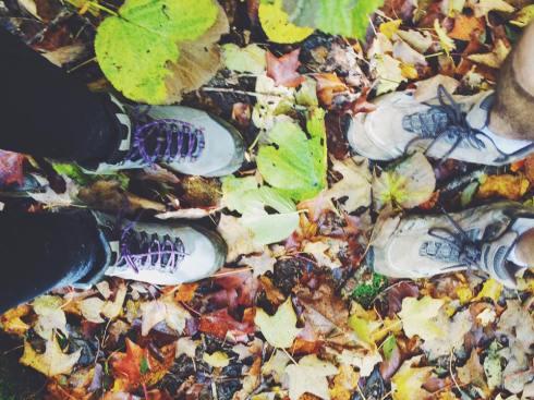 Pieds de Laurie et son amoureux d'automne