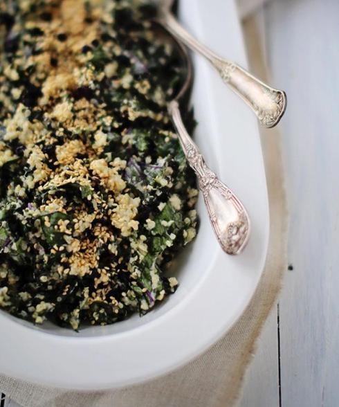 Salade-cremeuse-de-quinoa-et-de-kale-rape-vinaigette-au-tahini
